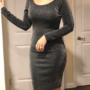 Long sleeve midi fitted dress